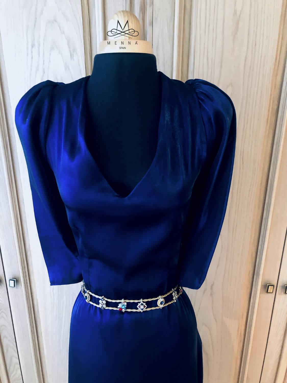 Escote Vestido Ágata color pantone 2020