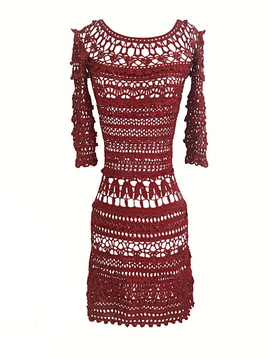 Vestido de crochet con motivos diversos